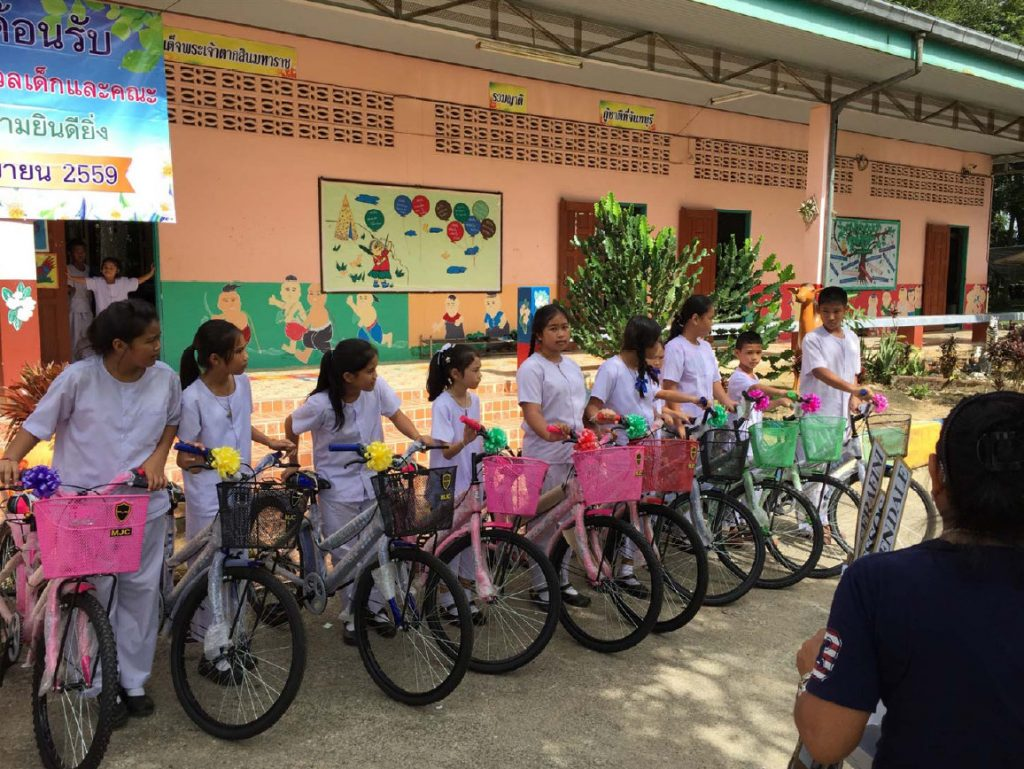 Distribution of 50 bicycles for three schools at Chanthaburi provinces